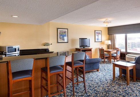 Fenwick Inn Suite